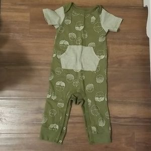 Cute & comfy romper! Perfect for early fall days!